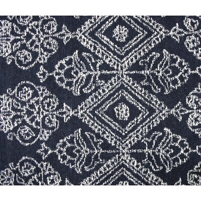 Avoca Hand-Tufted Ivory/Navy Area Rug Rug Size: Runner 2'6