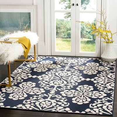 Mannox Navy/Cream Indoor/Outdoor Area Rug Rug Size: 33 x 53