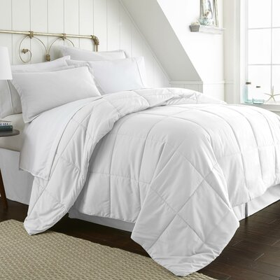 Roscoe Bed-In-A-Bag Set Color: White, Size: Queen