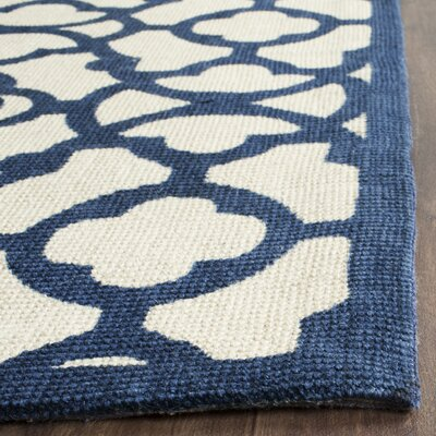 Quentin Road Ivory & Navy Area Rug Rug Size: 5 x 8