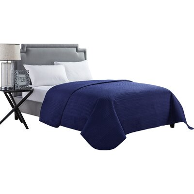 Mckenzie Quilt Color: Blue, Size: Full / Queen