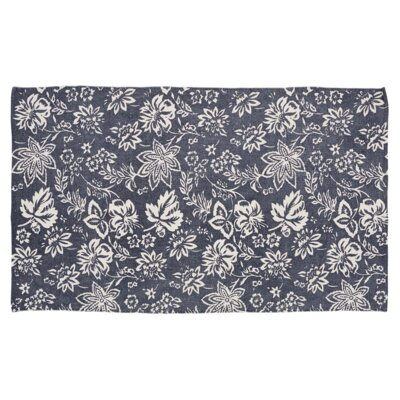 Messina Navy Area Rug Rug Size: 4 x 6