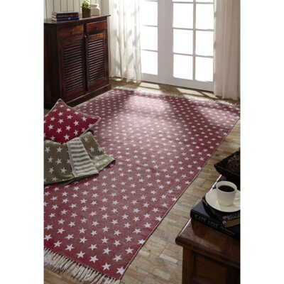 Noel Red/White Area Rug Rug Size: 5 x 8