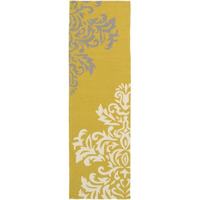 Charlton Home Schmitt Gold Indoor/Outdoor Area Rug