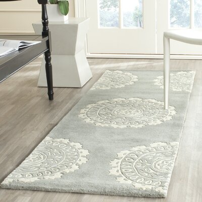 Goldwell Gray / Ivory Area Rug