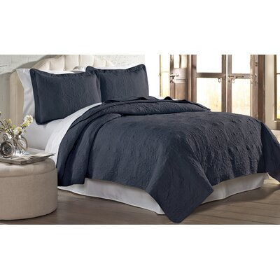 Mackay Quilt Set Size: Full/ Queen, Color: Indigo