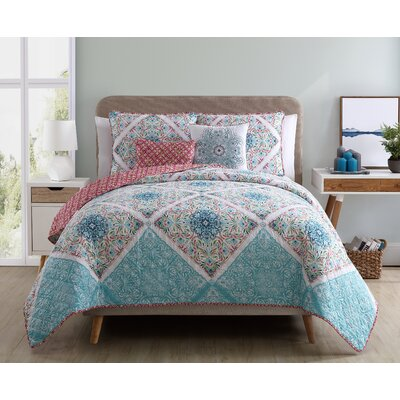 Nicholas Reversible Quilt Set Color: Blue/Pink, Size: Queen