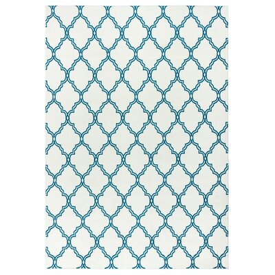 Noblesville White/Aqua Indoor/Outdoor Area Rug Rug Size: 53 x 77