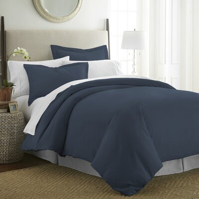 Moran Duvet Set Color: Navy, Size: Queen