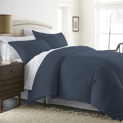 Moran Duvet Set Color: Navy, Size: Twin
