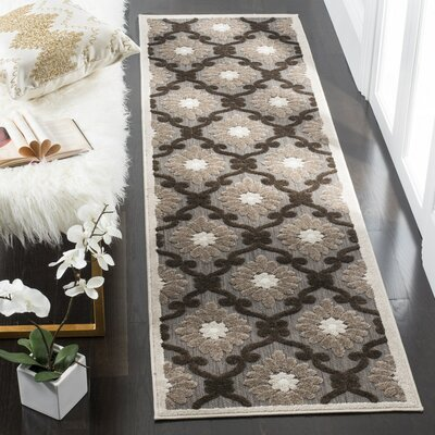 Bryan Light Brown/Brown Area Rug Rug Size: 67 x 96