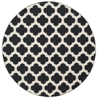 Willow Hand-Woven Black/Ivory Area Rug Rug Size: Round 6