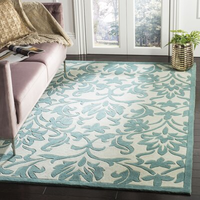 Amagansett Ivory/Light Blue Rug Rug Size: Rectangle 5 x 8