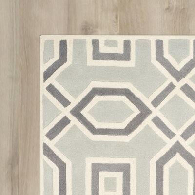 Rose Hand-Tufted Light Grey/Ivory Area Rug Rug Size: Round 5