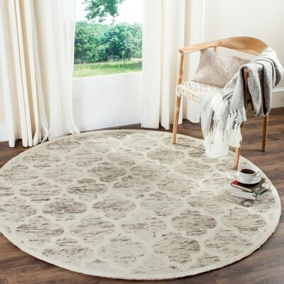 Short Hand-Loomed Light Brown/Ivory Area Rug Rug Size: Round 6