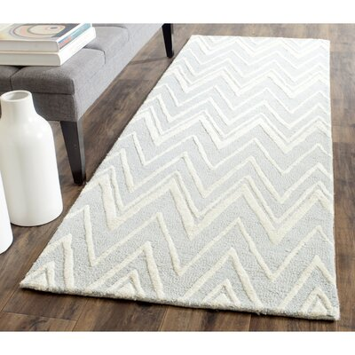 Martins Hand-Tufted Wool Gray/Ivory Area Rug Rug Size: Runner 26 x 12