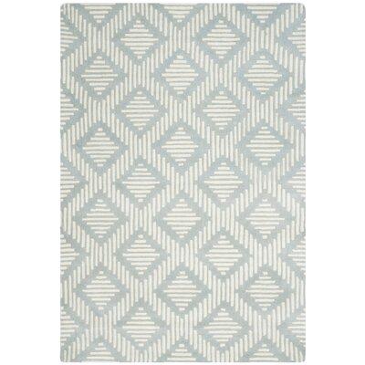 Wilkin Grey & Ivory Moroccan Rug Rug Size: 5 x 8