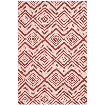 Sonny Ivory / Coral Rug Rug Size: 5' x 8'