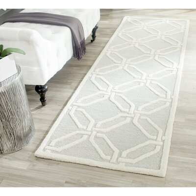 Martins Hand-Tufted Light Grey/Ivory Area Rug Rug Size: Runner 26 x 8
