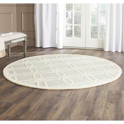 Martins Hand-Tufted Light Grey/Ivory Area Rug Rug Size: Round 6