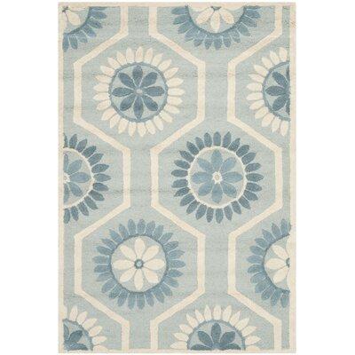 Martins Blue/Ivory Area Rug Rug Size: 4 x 6