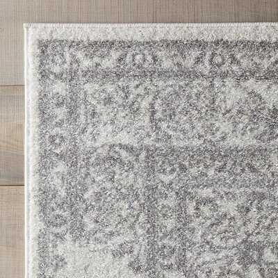Sisemore Ivory/Silver Area Rug Rug Size: Round 9