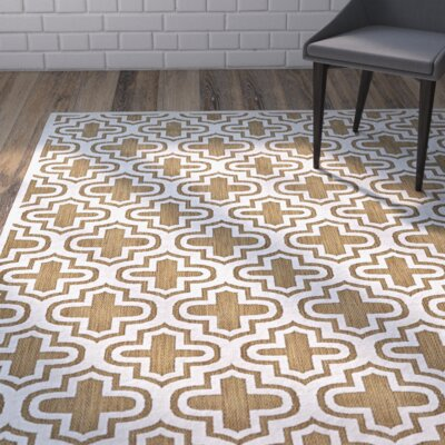 Saulsberry Tan/Ivory Indoor/Outdoor Area Rug Rug Size: Round 79