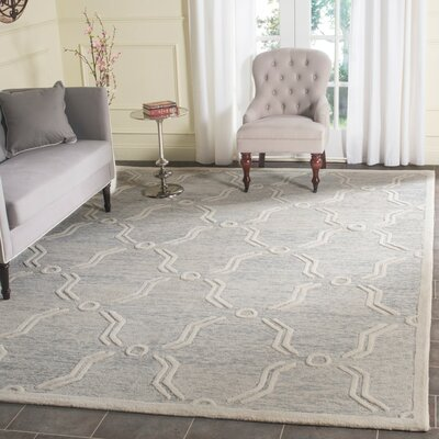 Medina Hand-Tufted Light Gray/Ivory Area Rug Rug Size: 4' x 6'