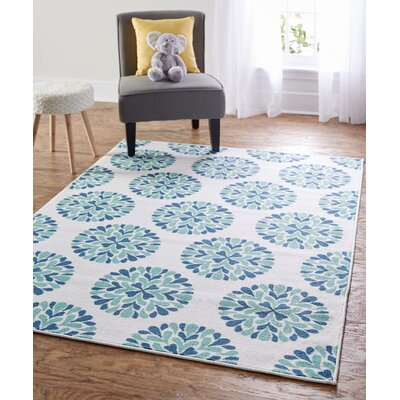Shumake Flowering Medallion Surf Blue Area Rug Rug Size: 5 x 7