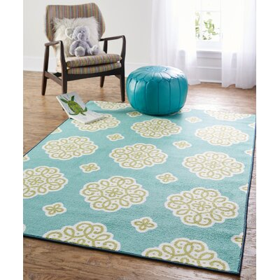 Shumake New Medallion Green Area Rug Rug Size: 5' x 7'