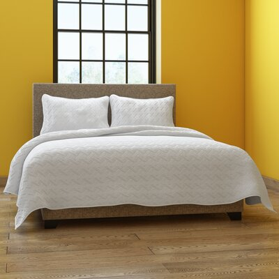Colosimo Coverlet Set Size: Queen, Color: White