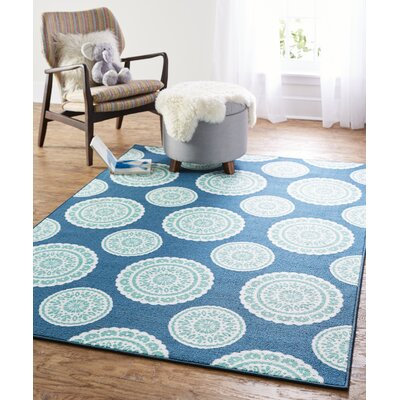 Shumake Medallion Circle Blue Area Rug Rug Size: 5 x 7