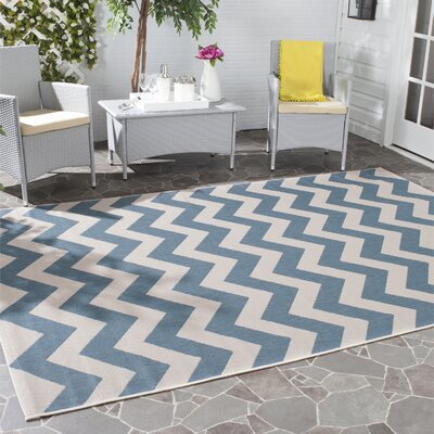 Jefferson Place Blue/Beige Indoor/Outdoor Area Rug Rug Size: Rectangle 53 x 77