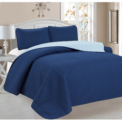 Cassander 3 Piece Reversible Quilt Set Color: Blue
