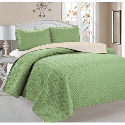 Jeanice 3 Piece Reversible Quilt Set Color: Green