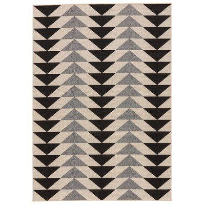 Hendrick Ivory/Black Indoor/Outdoor Area Rug Rug Size: Rectangle 53 x 76