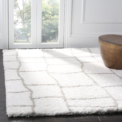 Shead Hand-Tufted Ivory/Silver Area Rug Rug Size: Rectangle 6 x 9