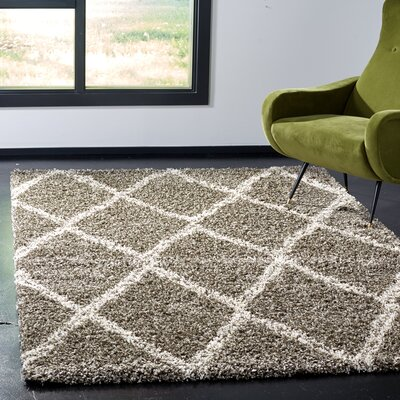 Elizabeth Street Gray/Ivory Area Rug Rug Size: Rectangle 6 x 9