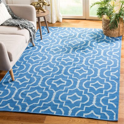 Rennie Hand-Woven Blue/Ivory Area Rug Rug Size: Rectangle 5 x 8
