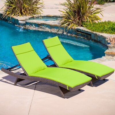Larry Chaise Lounge with Cushion Color: Green