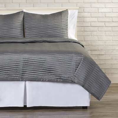Arignote Reversible Quilt Set Size: King, Color: Charcoal