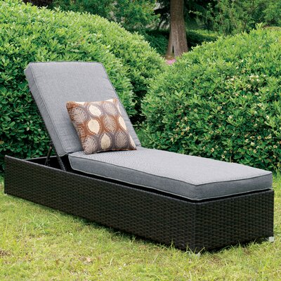 Lindell Chaise Lounge with Cushion Color: Gray