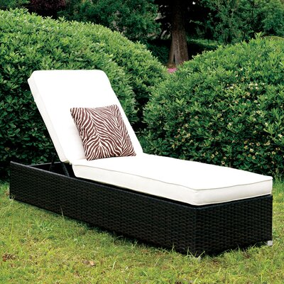Lindell Chaise Lounge with Cushion Color: White