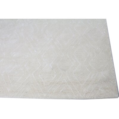 Lucus Hand-Tufted Snow Area Rug Rug Size: Rectangle 5 x 76