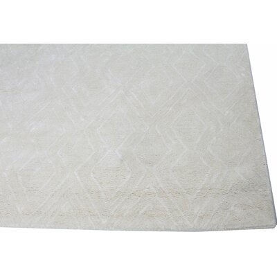 Lucus Hand-Tufted Snow Area Rug Rug Size: Runner 26 x 8