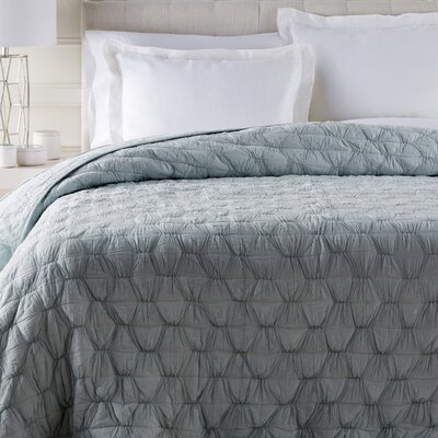 Edgemont Quilt Size: King