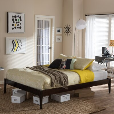 Smoak Platform Bed Size: King, Color: Cappuccino
