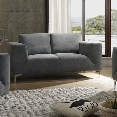 Ivyland Loveseat