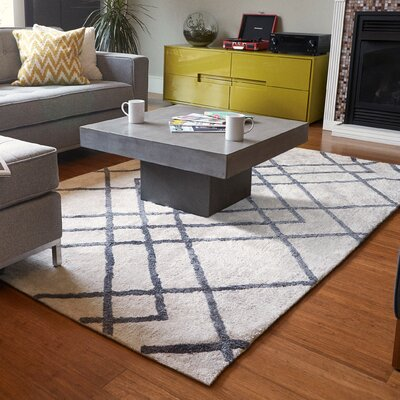 Colligan Diamond Dogs Ivory Area Rug Rug Size: 8 x 10