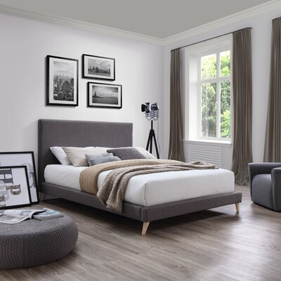 Eder Upholstered Platform Bed Size: Queen
